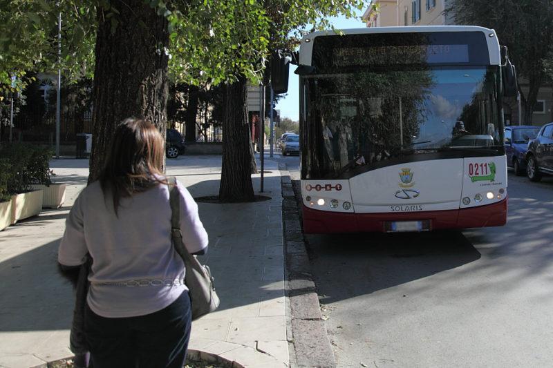 Autobus-bianco-Alghero-TotAlguer