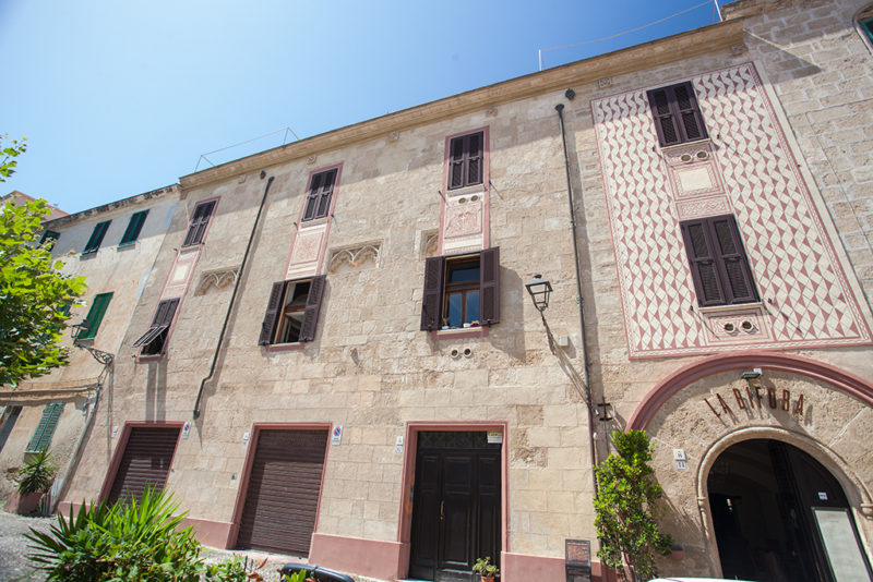 Palazzi-Storici-Alghero-TotAlguer|Palazzo-Guió-i-Duran-Alghero-TotAlguer|||Palazzo-Serra-Alghero-TotAlguer|||Palazzo-Machin-Alghero-TotAlguer|Palazzo-Lavagna-Alghero-TotAlguer|Palazzo-della-Dogana-Reale-Alghero-TotAlguer|Palazzo-de-Ferrera-Alghero-TotAlguer|Palazzo-Civico-Alghero-TotAlguer|Palazzo-Carcassona-Alghero-TotAlguer